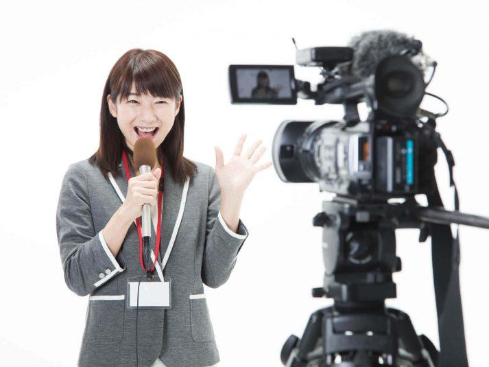 【テレビ局のお仕事情報】アナウンサーの概要と年収