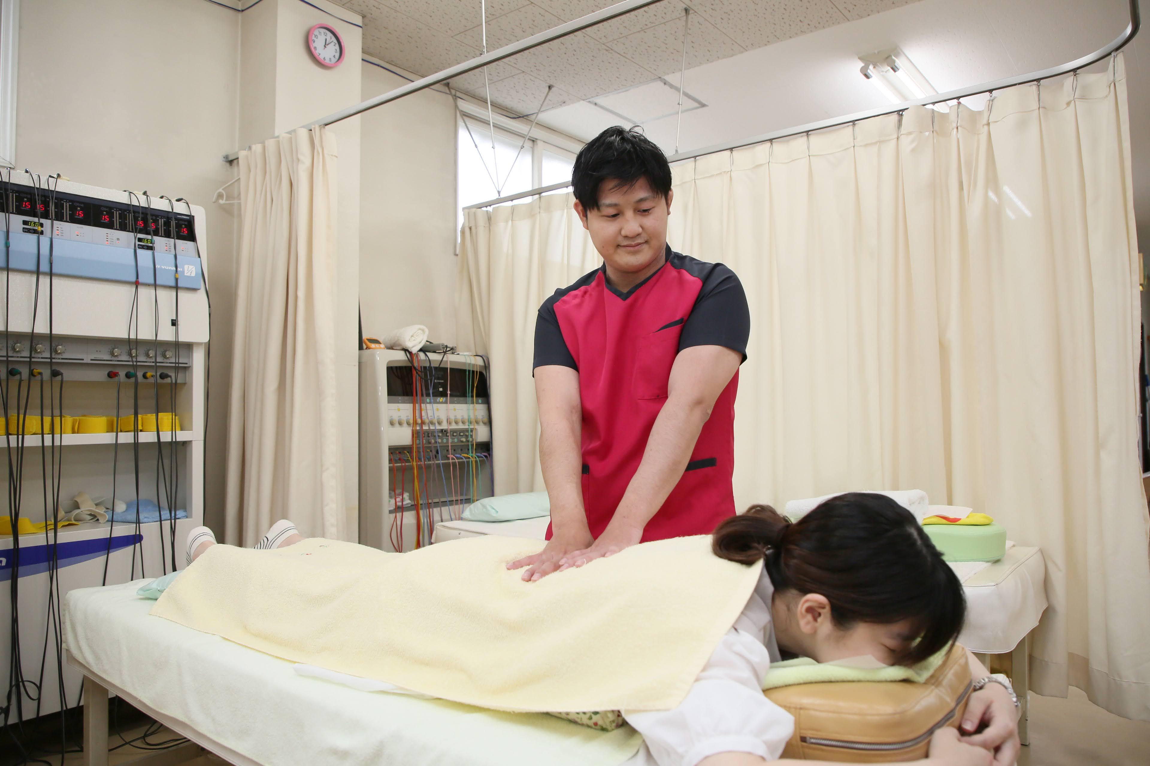 骨盤矯正×筋肉調整×インナーマッスル 長年の腰痛・肩こり・頭痛・背中の痛みを根本改善 3850円