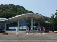 中日本自動車短期大学