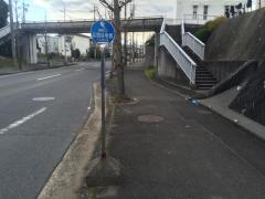 「公団住宅西」バス停留所