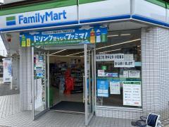 ファミリーマート 大阪金剛駅前店_施設外観