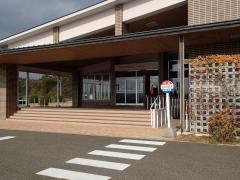 「生目の杜遊古館」バス停留所