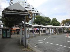 「阪神出屋敷」バス停留所