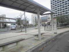 「おもろまち駅前広場」バス停留所