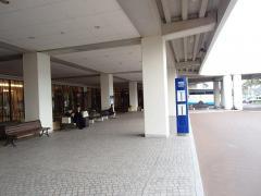 「シェラトングランデ」バス停留所