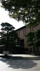 鶴舞中央図書館