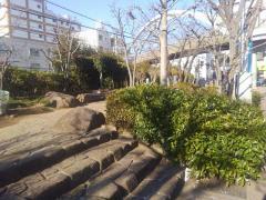 川越駅東口緑地