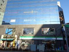 ファミリーマート篠崎駅南口店