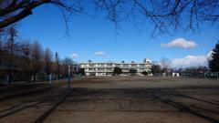 世良田小学校