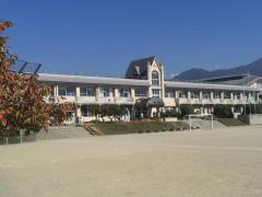 須玉小学校