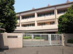 私立湘南白百合学園小学校