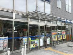 ローソン 松井山手駅前店_施設外観