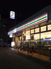 セブンイレブン 神戸岡本2丁目店_施設外観