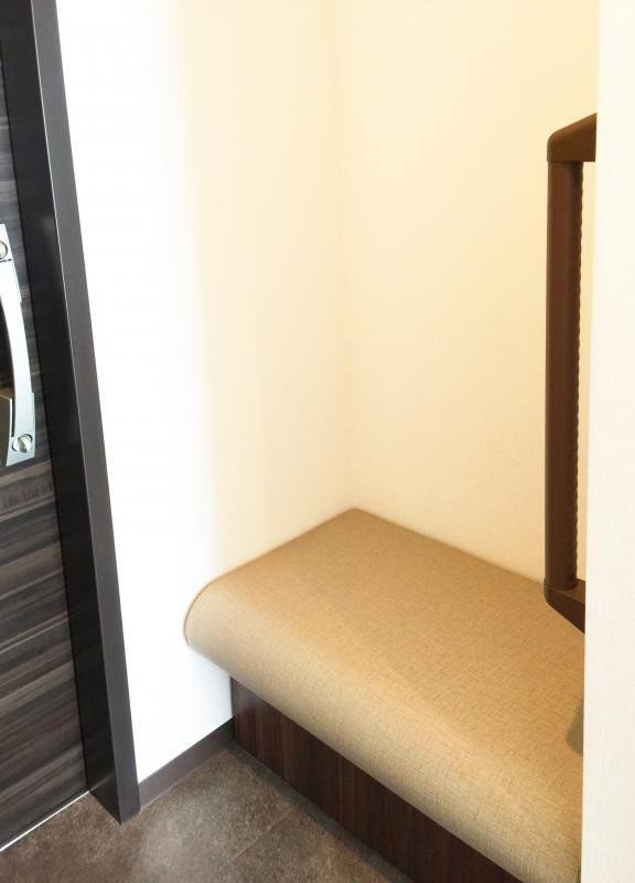 居室玄関の椅子