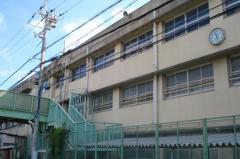 布忍小学校