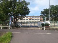 方県小学校