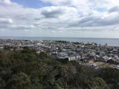 海のみえる岸岡山緑地