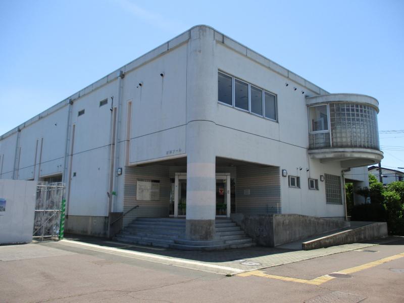 鶴ヶ谷温水プール_施設外観