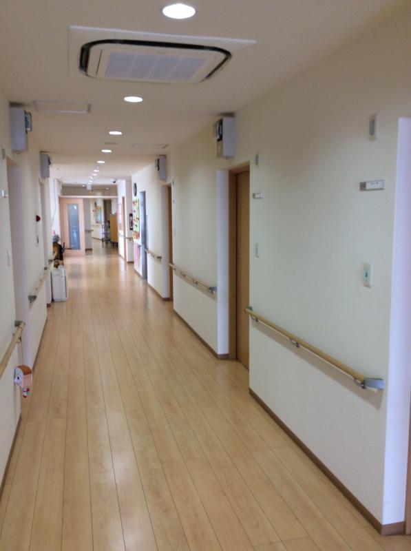 館内の廊下風景