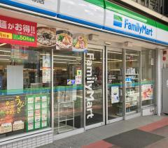 ファミリーマート 枚方宮之阪駅前店_施設外観
