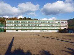 宇佐美中学校