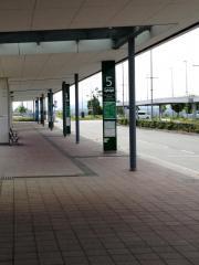 「神戸空港」バス停留所