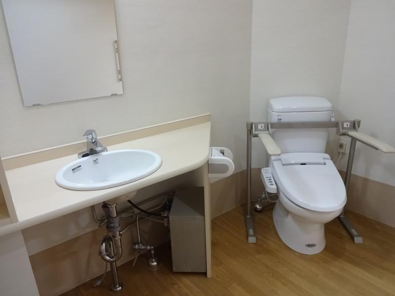 トイレ、洗面2