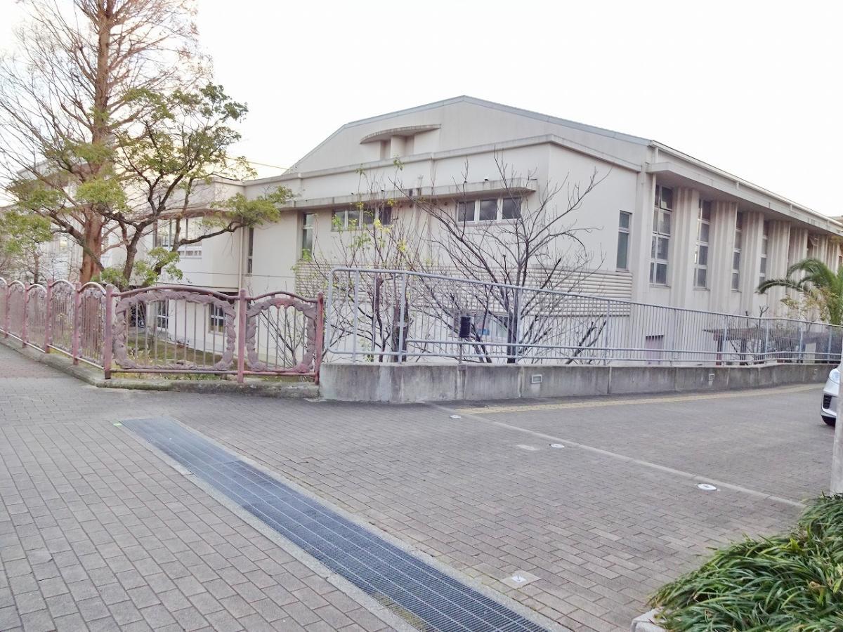 魚崎小学校_施設外観