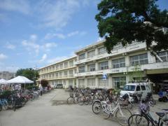 岩滑小学校