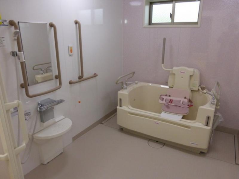 機械式浴槽