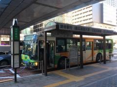 「田町駅前」バス停留所