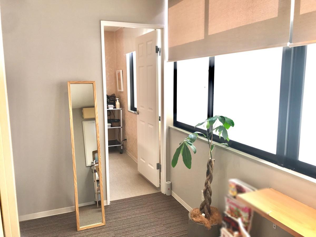 個室の待合スペース